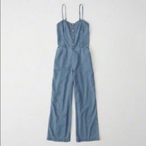 A&F Button cropped jumpsuit